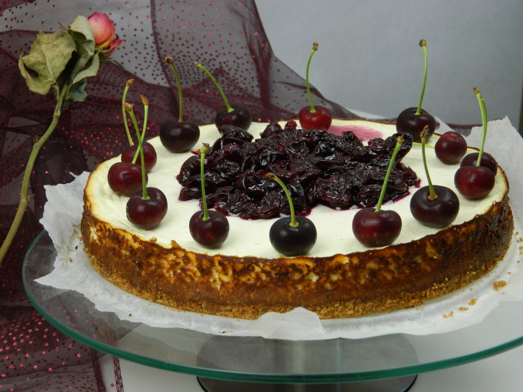 Super Cheesecake with Cherries