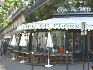 The Frenchies have cafes, among other things, to keep them occupied. No internet required.