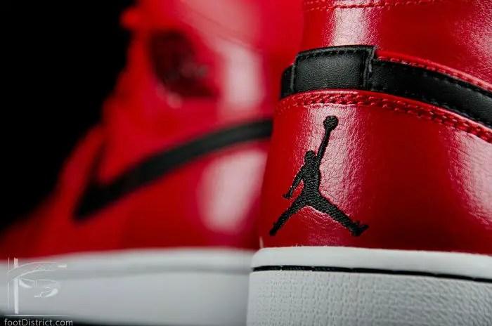 Air Jordan 1 Mid Gym Red / Black