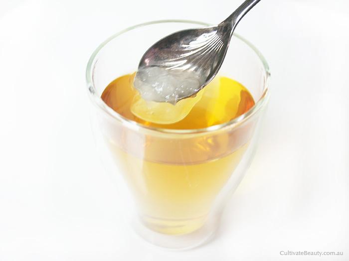 how to drink coconut oil in tea