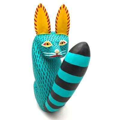 Moises Jimenez & Oralia Cardenas Moises Jimenez & Oralia Cardenas: Turquoise Fox Looking Back Classic Style