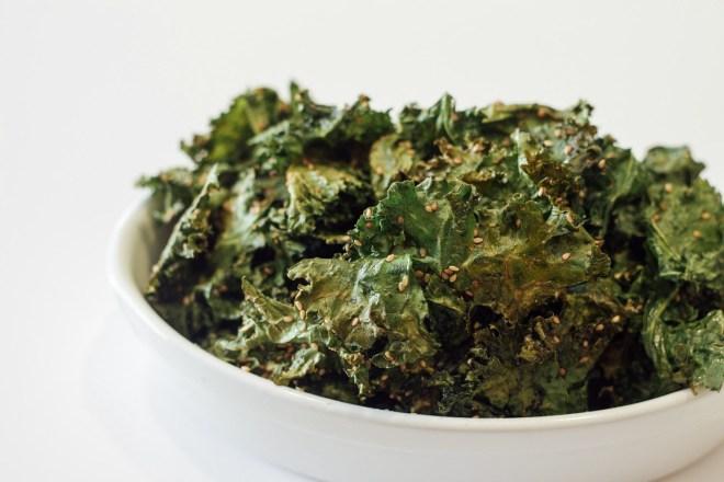 Easy Sesame Kale Chips Recipe - Cultural Chromatics