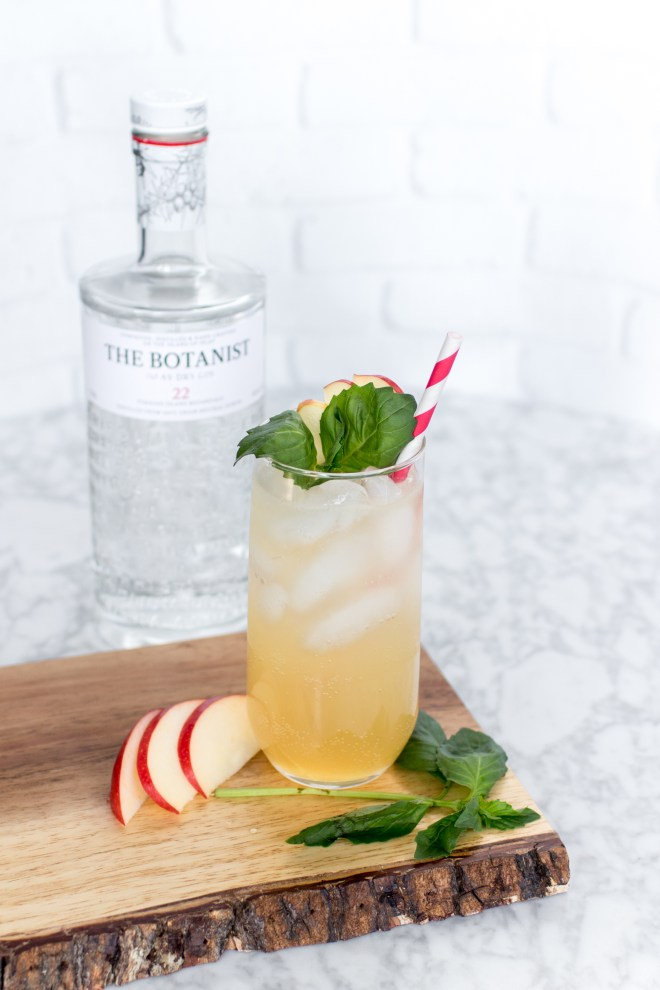 Two Holiday Gin Cocktail Recipes The Botanist Cultural Chromatics