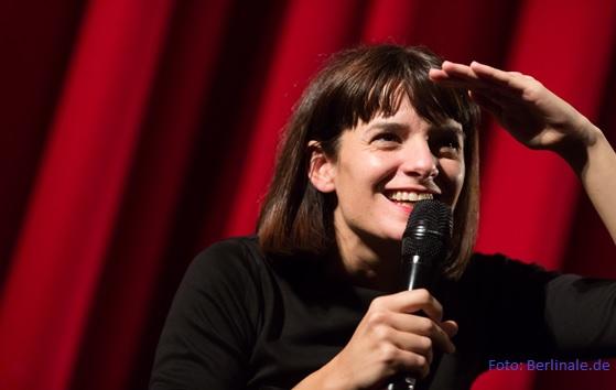 Entrevista a Lola Arias y su TEATRO DE GUERRA en la Berlinale