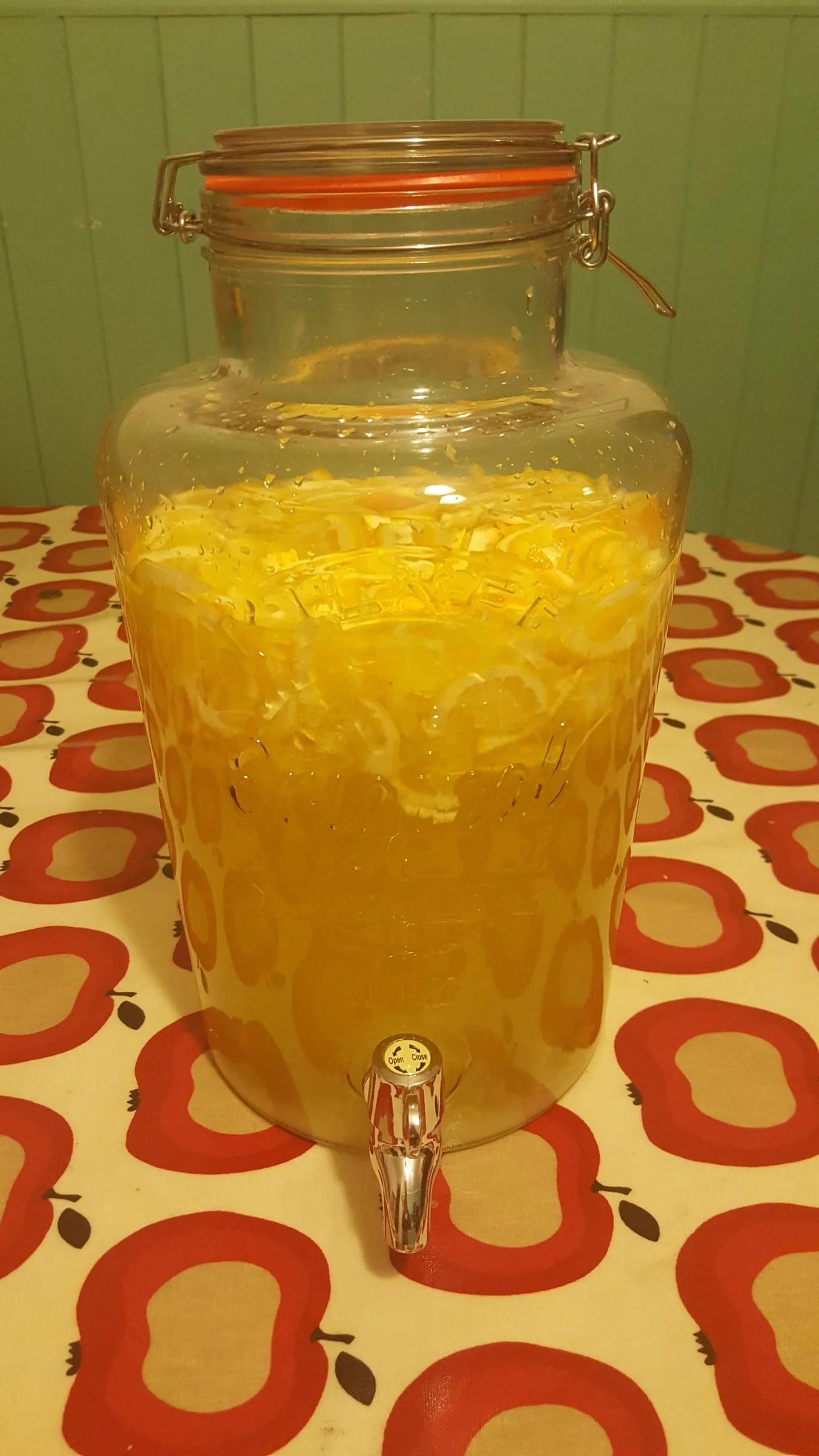 vin-d'orange in a kilner jar
