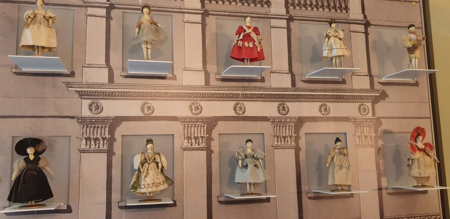 Dolls dressed and owned by Queen Victoria