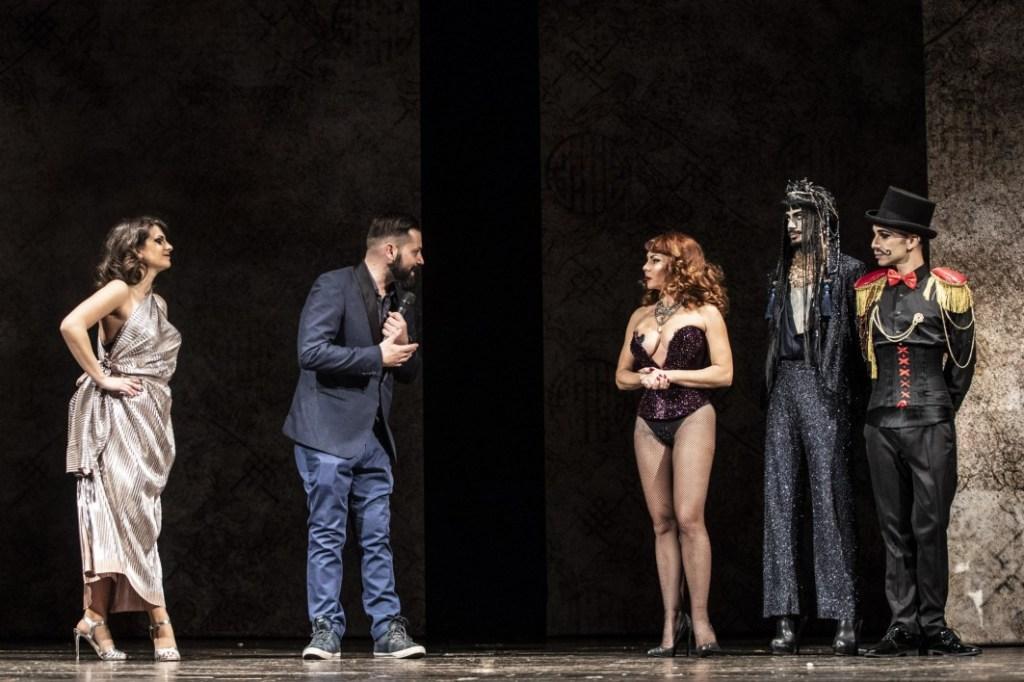 burlesque roma caput mundi