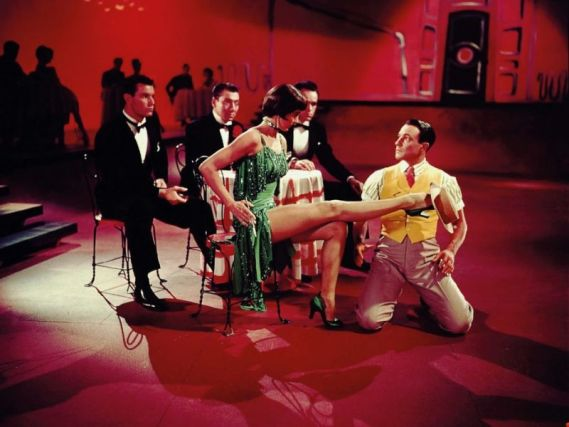 Gene Kelly in una scena del musical