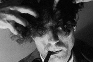 Retrato de Alexandre O'Neill feito pelo fotógrafo Fernando Lemos.