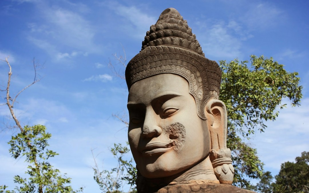 Bayon e as muitas faces de Angkor