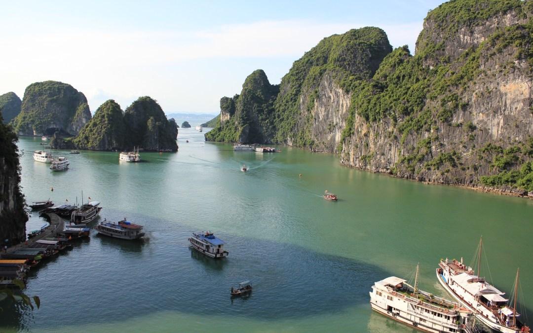 Baía de Halong , um Paraíso Natural no Vietnã