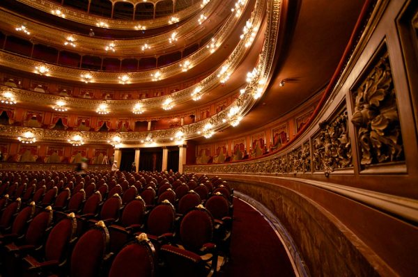Teatro Colón de Buenos Aires. Fotografía: https://www.flickr.com/photos/elaws/