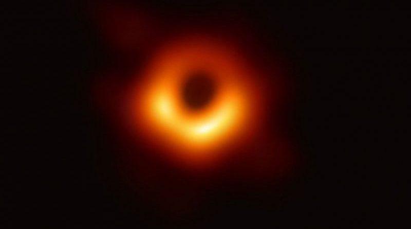 Astronomie : La première image d'un trou noir dévoilée