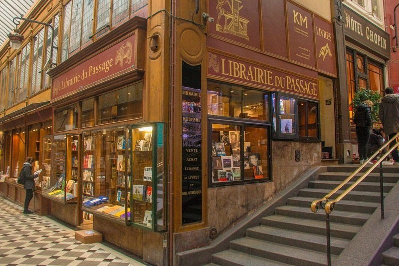 Where to read in Paris ?