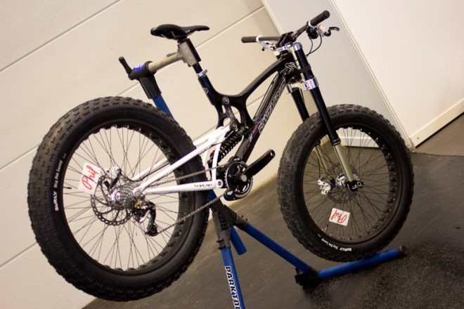 santa cruz v10 full suspension fat bike