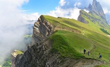 """ITALY: ภูเขา Odle """"เปลวไฟที่แข็งเป็นหิน"""" แห่งเทือกเขา Dolomites"""