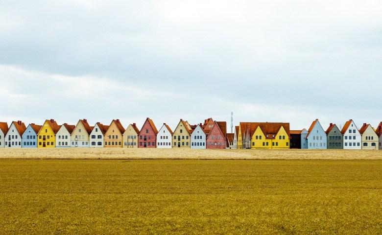 HJÄRUP: Jakriborg Prix งานแข่งรถโบราณที่หมู่บ้านวินเทจของสวีเดน