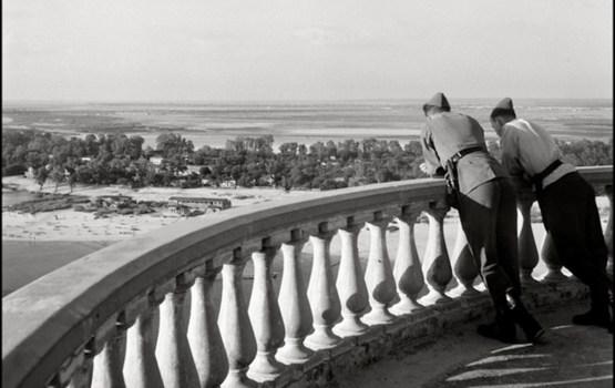 ย้อนเวลาสู่ 'ยูเครน' ยุคสงครามผ่านเลนส์ช่างภาพ VOUGE อดีตนายทหารนาซี