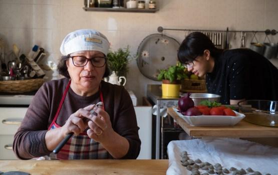 ฝึกทำ 'พาสต้าคนใต้' สูตรคุณยายที่ 'พูเลีย' อิตาลี ตอนที่ 2