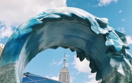 The La Mer Wave Walk เส้นทางศิลปะฉลองวันมหาสมุทรโลกยึดมหานครนิวยอร์ก