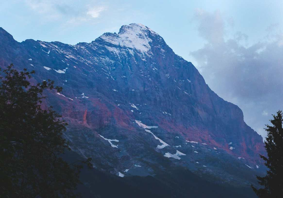 sunset across the Eiger - things to do in Grindelwald