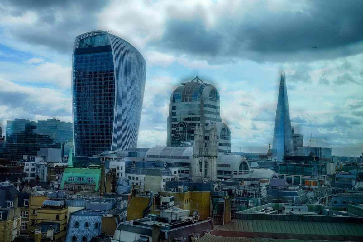 london city focus pull photo