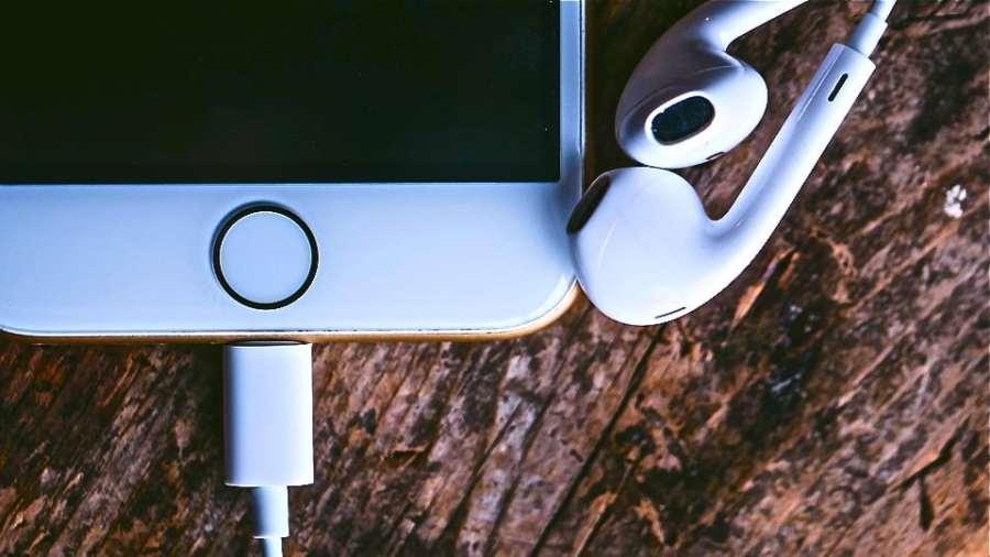 iPhone and earplugs (Public Domain)