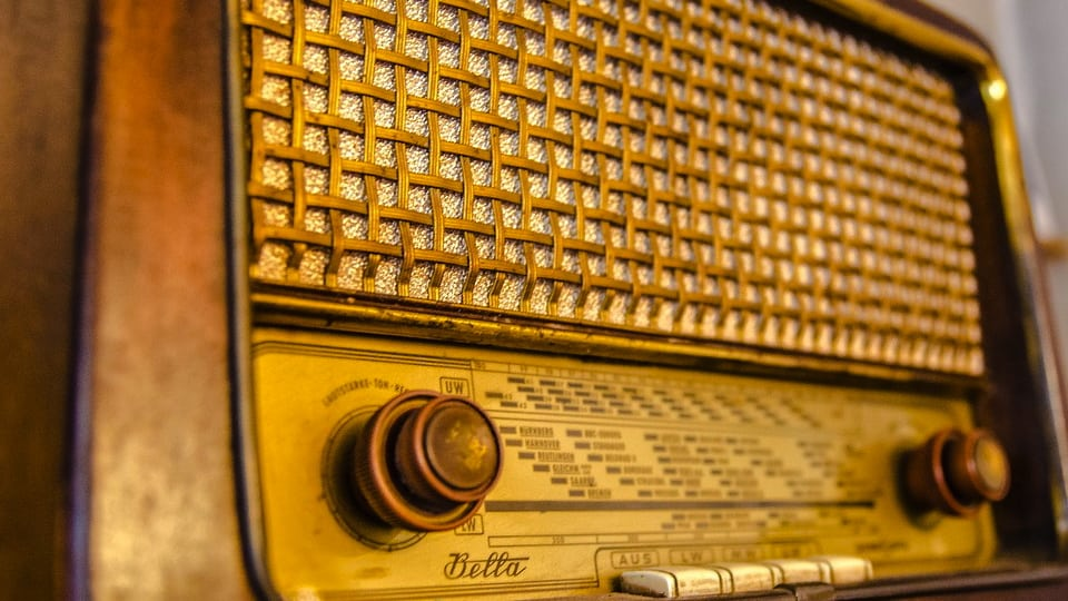 Antique Radio (Public Domain)