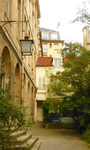 ParisCourtyard: moveable feast