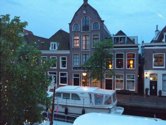 (The night we arrived in Alkmaar, circa 2014) special friendships