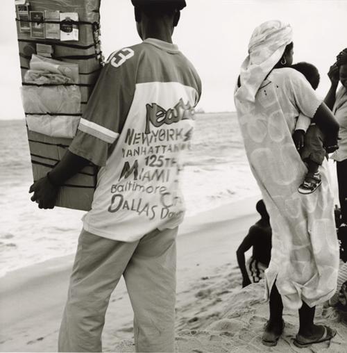 AKINBODE AKINBIYI - Untitled (Lagos) - 2003-04