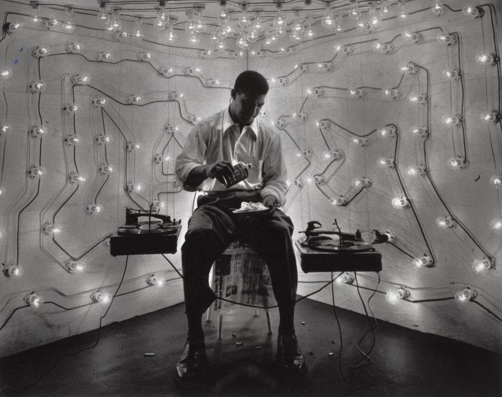 GORDON PARKS. - Untitled, Harlem, New York - 1952