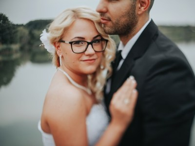 Create a wedding on a budget. How to plan a wedding on a budget. How create a budget that works for your wedding. Saving money tips. Ways to save money on a wedding. Planning a budget wedding.