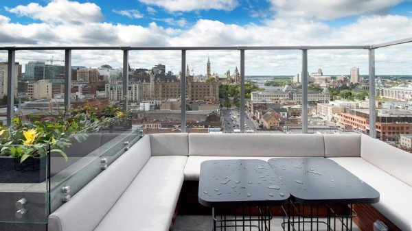 rooftop restaurants in ottawa. Here is a detailed list of Amazing things to do in Ottawa for couples on a trip. Book your next trip and adventure to Ottawa. Here is a list of romantic things to do in Ottawa for couples that love adventure. #ottawa #canada #thingstodoinottawa #traveltoottawa. Tips for traveling to Canada. Things to do in Canada