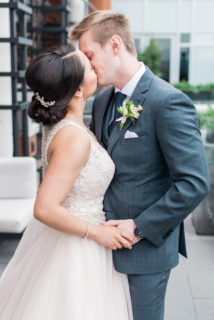 luxury wedding photographer ottawa. How to find the best wedding photographer in Ottawa. Looking for an Ottawa wedding photographer is now as easy as clicking this post. Looking for Affordable Wedding photographers in Ottawa. Wedding Photographers in Ottawa with beautiful photos. #weddingphotographer #Ottawaweddingphotographer
