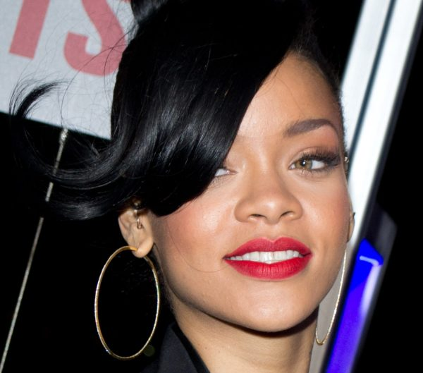 Rihanna's Successful Cultural Fluidity in her Music from Embracing her Foreign Dialect