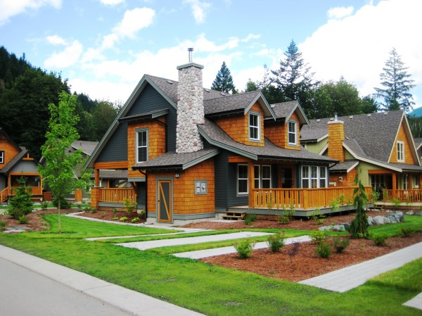 Community « The Cottages at Cultus Lake