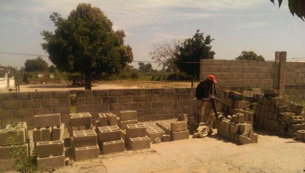Jalambang, de muur