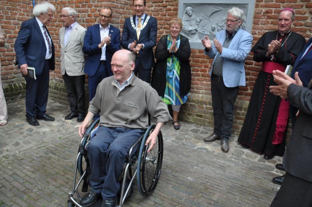 Wijk bij Duurstede, 28 mei 2016. Applaus voor Kees Slijkerman, voorzitter en initiatiefnemer van het Bonifatiusjaar.
