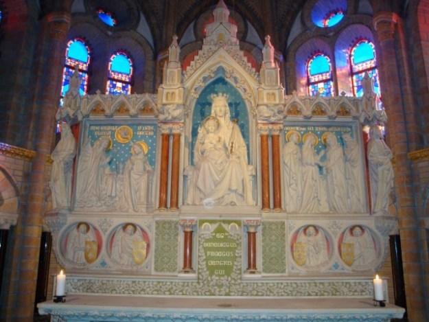 Het Maria-altaar, waar de ceremonie plaatsvond