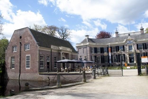 Baarn, Kasteel Groeneveld, uit ''Baarnse Horeca in historische panden'' Wil Hordijk