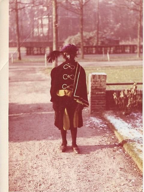 Sint Nicolaasfeest, op mijn 12e speelde ik (Marianne Visser van KLaarwater) zelf voor Zwarte Piet.