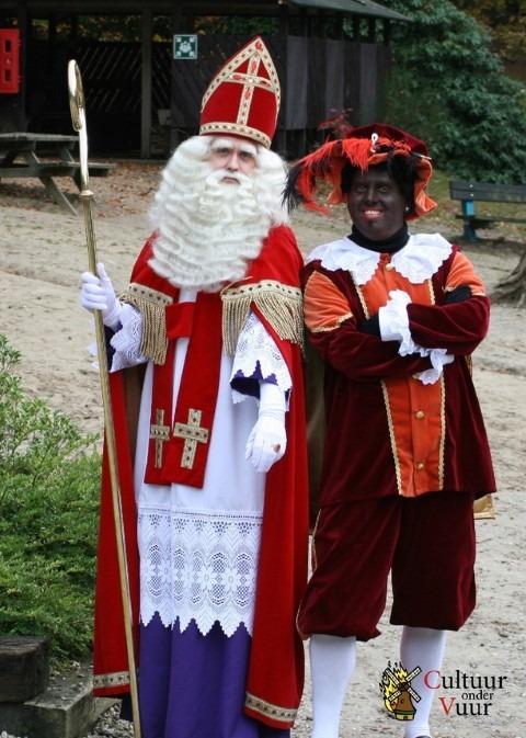 Feest van Sint Nicolaas moet vooral een kinderfeest vor jomg en oud blijven. Foto: poster bij het lespakket Zwarte Piet & Sinterklaas