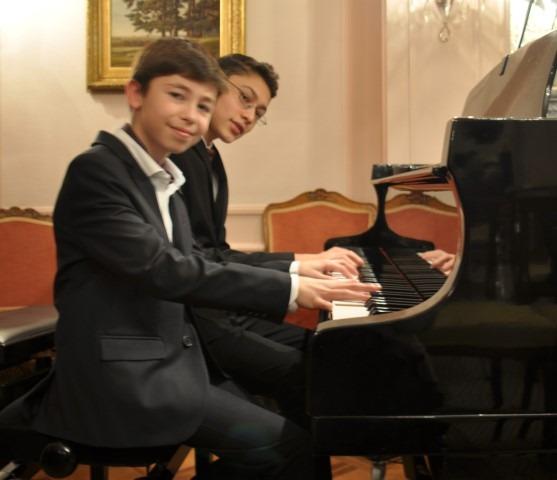 Chopin Stichting Nederland, Ambassade van Oostenrijk en Prima la Musica, pianoconcert 1 december 2017, Oostenrijkse ambassade, quatre-mains duo ToFi