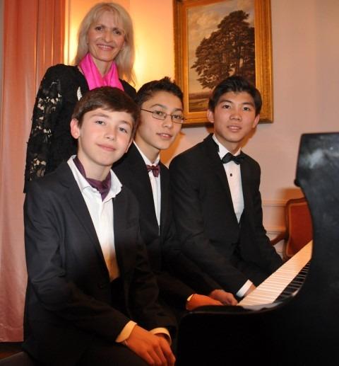 Chopin Stichting Nederland, Ambassade van Oostenrijk en Prima la Musica, pianoconcert 1 december 2017, Oostenrijkse ambassade, Angelika Persterer-Ornig (directeur Pro Musica) is trots op de drie pianisten