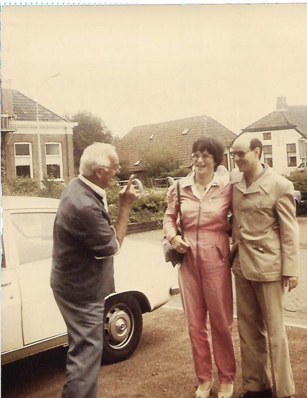 Bijna-dood-ervaringen,samen met vader Piet in 1982 vlak voor het huwelijk van n Roel en mij. Zes later zaten Roel en ik in 1988 aan zijn sterfbed.