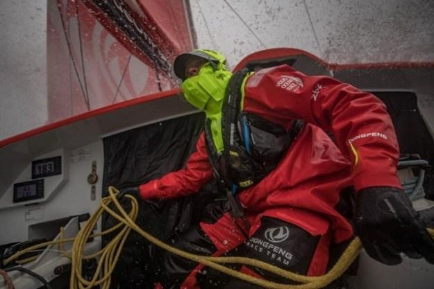 BBC Oceans en Carolijn Brouwer (winnares Volvo Ocean Race) hebben een boodschap aan onze wereld. Foto: Carolijn Brouwer tijdens Volvo Ocean Race