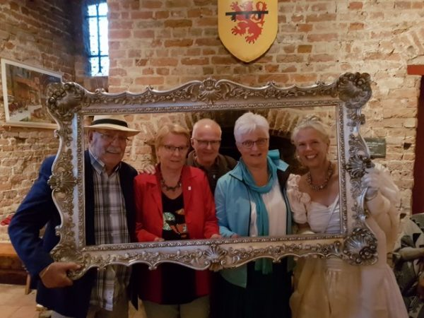 Gouden Eeuwfeest Ruïne van Brederode, Samen met onze vrienden Ineke en Fré en Angelique Schipper