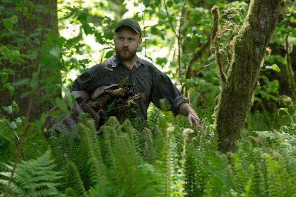 Leave no trace. weduwnaar Will (Ben Foster) verkiest het bos boven de maatschappij