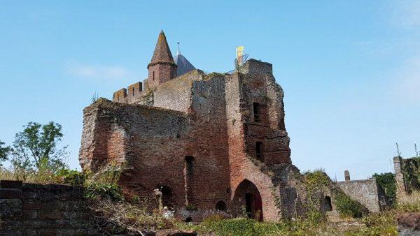 Ruïne van Brederode in Santpoort bleef open voor publiek dankzij Dimitri Arpad